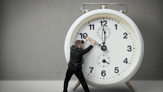 El Impacto Económico Del Cambio Horario: Instituciones Y Expertos Se Muestran Escépticos